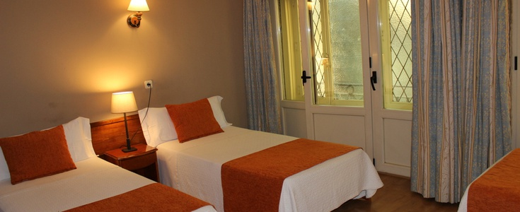 DOUBLE + EXTRA BED San Lorenzo Hostal