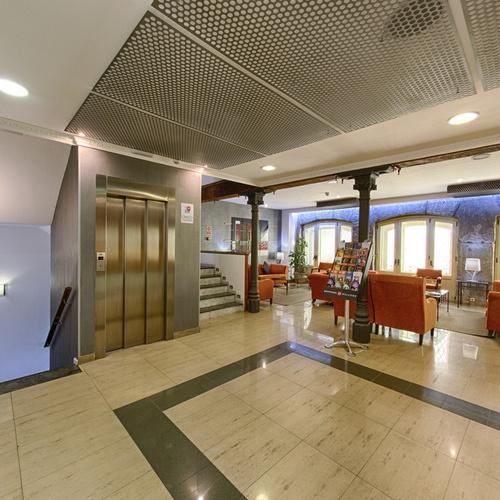 Elevator San Lorenzo Hostal