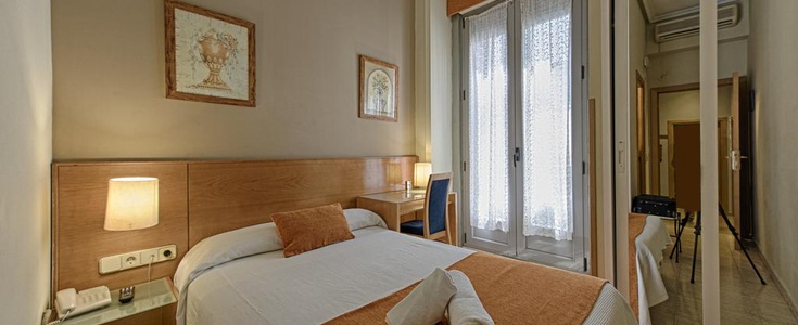 Single room san lorenzo hostal madrid